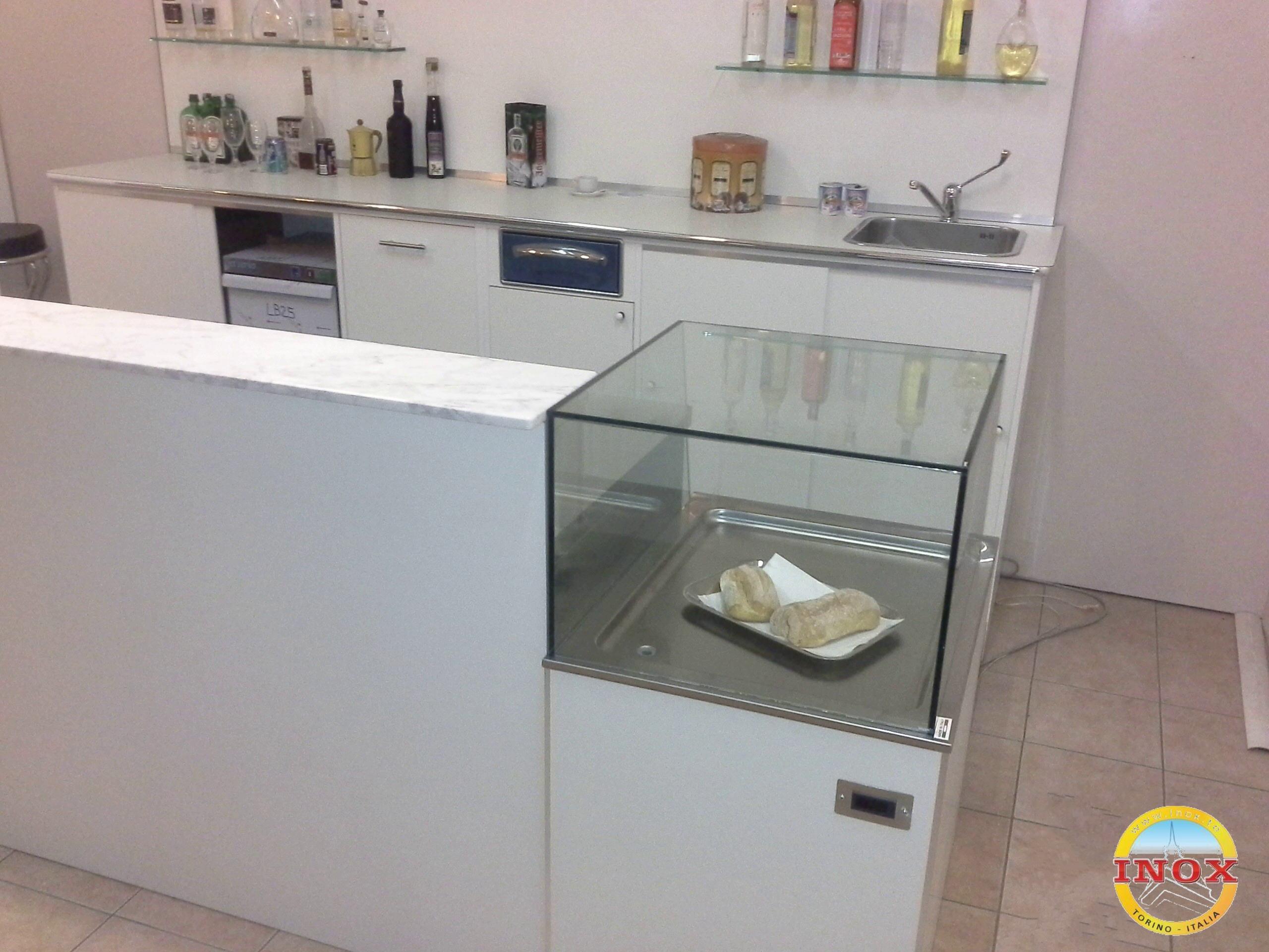 Arredamenti per Bar Negozi Ristoranti, banchi frigo, banchi bar ...