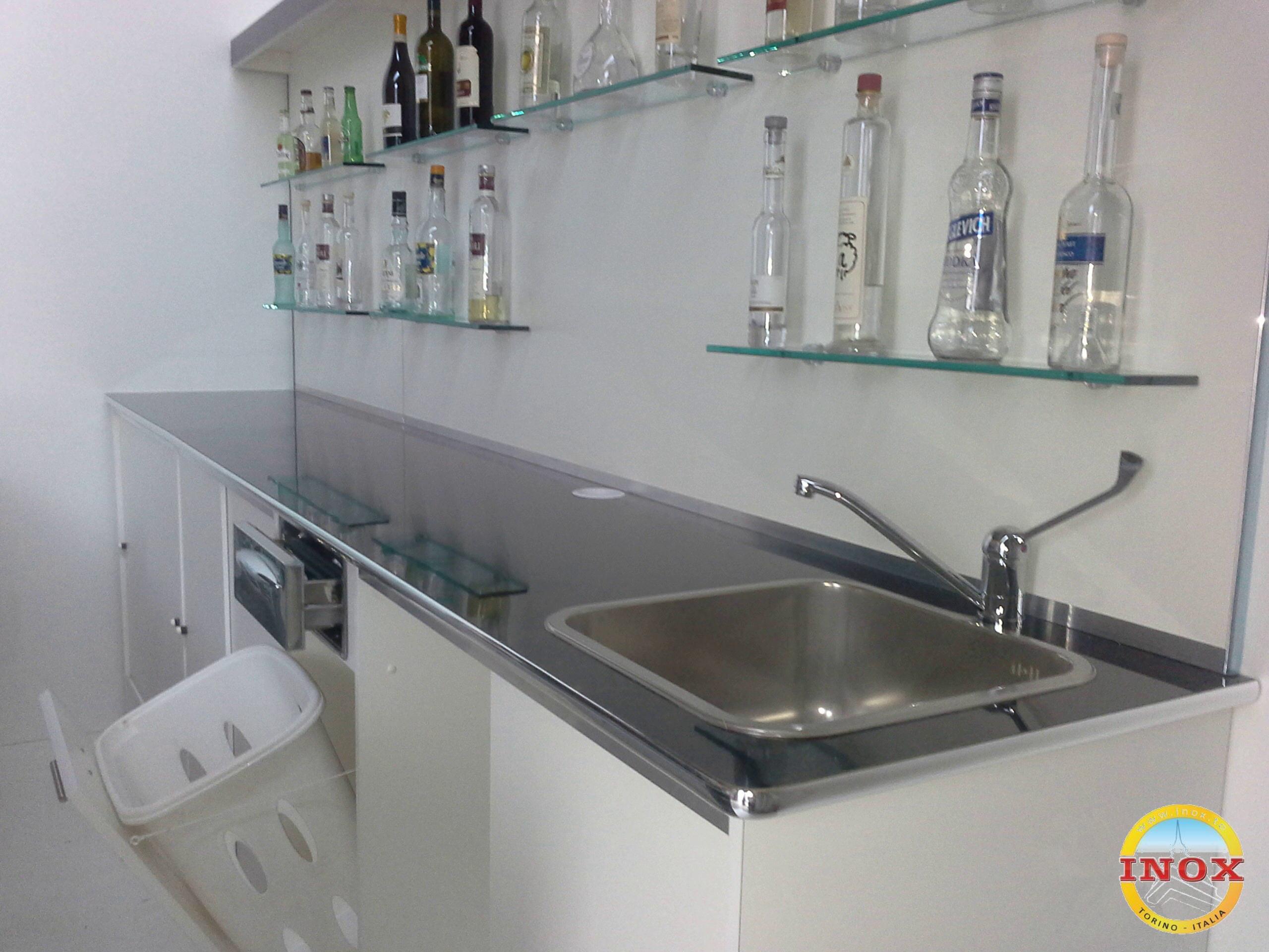 Arredamenti per bar negozi ristoranti banchi frigo for Arredamenti bar prezzi