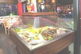 carrelli refrigerati per esporre pesce fresco